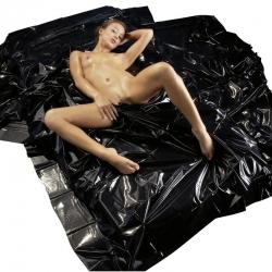 Lakovaná PVC čierna plachta SexMAX Wet GAMES Black